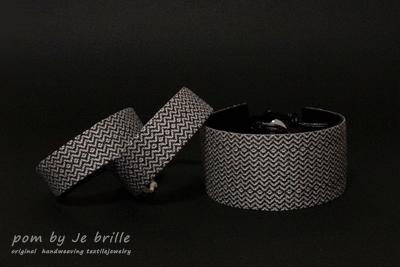 pom by Je brille-texture line braceletについて